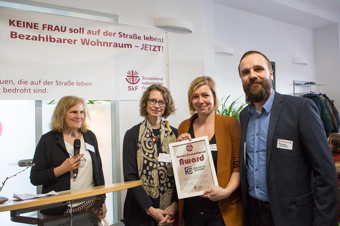 Mitarbeiter:innen Sozialdienst katholischer Frauen e.V. und Deutsche Wohnen